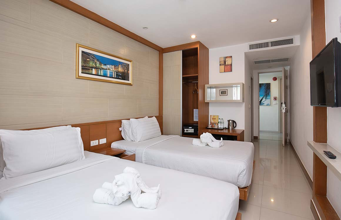 Deluxe Twin Rooms at The Patong Center Hotel